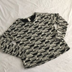 H&M Black and White Patterned Long Sleeve Top